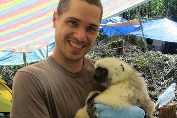 Drs. Zach and Alisha Farris address conservation and health crises in Madagascar